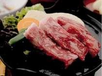 ブランド肉豊後牛を鉄板焼きで。ジューシーで柔らかい。