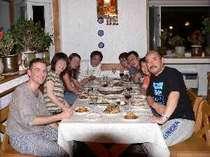 グループでのミニ宴会の夕食・自分でお好きなものをどうぞ!