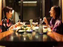 リニューアルの食事処は完全な個室ではございません。衝立等で1室づつ区切っております。