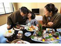 ◆食事風景◆「ねぇパパ」「ん?」「おいしい~♪」
