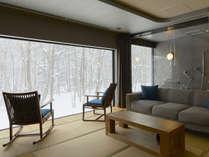 【森の展望風呂】藍・冬