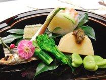 【春一例】旬の春野菜は箱根西麓産。ほろにがい中に野菜の甘みも感じられます。