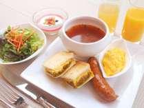 カレー風味ツナトーストとスープセット ※写真はイメージです