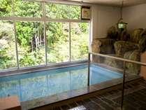 大浴場(女風呂)川を眺めながらゆっくり入っていただけます。