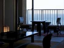 10畳和室 ゆったりと日本海の波音に心安らぐ・・・。