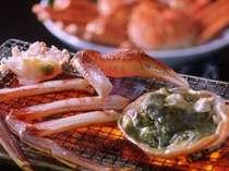 香ばしいかおりがたまらない、焼き蟹