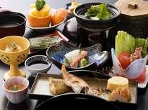 朝食(一例) 白扇オリジナル一品や地元食材を用いた、朝から元気になれる朝食メニューです。
