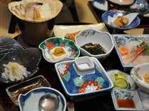 鮑のお刺身や季節の下北郷土料理をいただける料理一例