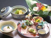 【山河会席料理一例】春の訪れを感じる料理を