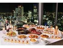 SkyDining天空 ディナーブッフェ。抜群の夜景とともに地中海料理をお楽しみいただけます。