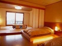 本館和洋室の一例。客室ごとに趣きが異なる。(写真は107号室)