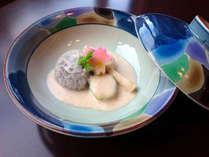 <早春のお献立一例>揚げ巻き湯葉と 旬野菜の桜花白雪煮