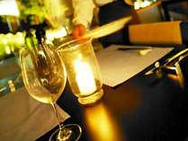 ゆったりとした個室風の席が用意されるレストラン(イメージ)