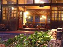 *館内の様子/古き良き日本にタイムスリップしたかの様な癒しの時間が流れます。