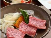 お肉のタレはおろしたっぷりポン酢・アンデスの紅塩・オリジナル白味噌でお召し上がりください♪
