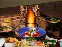 揺らめく炎が彩る囲炉裏端の夕食