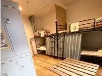 【1階101号室】鍵付きのお部屋で安心してお休みいただけます。