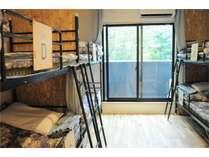 【2階201号室】広い畳スペースでもゆっくりしていただけます。