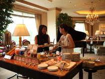 日曜・平日は「ラウンジパスポート」付きプランで優雅なホテルステイを