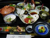 【ご夕食一例】四季折々の会席料理をお楽しみください。