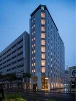 おしゃれでファミリーやカップルに人気のホテルが2021年4月1日オープン♪人気の国際通りまでも徒歩圏内。