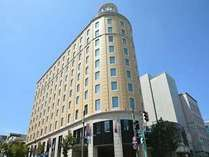 ホテル外観海が見える街 小樽に客船をモチーフに造られた195の客室