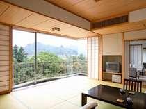 【特別室】「武甲」のお部屋から渓谷を望む…