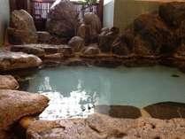 名湯100選のかけ流しをご堪能くださいませ。★温泉は浴槽内と外からでており、浴槽内がメインです。
