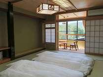 【LODGE】和室12畳マウンテンビュー お布団を敷いた一例