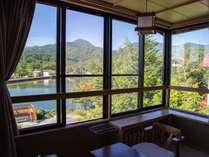 【LODGE】蓼科湖眺望のお部屋 夏の一例