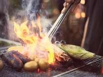 <HYTTER OUTDOOR GRILL>お肉もみずみずしい野菜も、贅沢に丸ごとグリル!