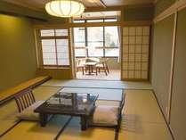 【LODGE】和室12畳レイクビュー 景色が湖面に映り込む蓼科湖が望めます