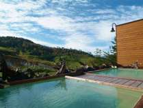 秋の露天風呂~紅葉&空吹&温泉3つ同時に楽しめます