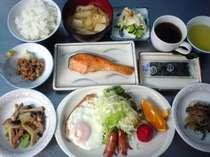 【朝食例】魚沼米とお袋の味和食。珈琲付