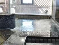 人工ラジウムの大浴場。疲れた体が癒されます。