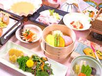 【ご夕食・季節の一例】時季や地の食材を中心に使った季節ごとのお料理をお楽しみください。