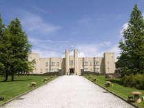 英国の荘園領主の館として建てられた「マナーハウス」