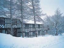 冬のブリティッシュヒルズは白銀の世界を楽しめます。