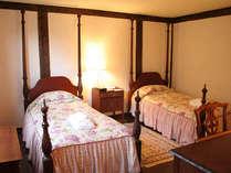 スタンダードルーム:家具やファブリックは宿泊棟ごとにデザインが異なります。