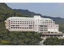 【外観】夜景の名所稲佐山中腹に建つホテル