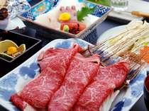 上質の佐賀県産牛はさっと湯にくぐらせるだけでお召し上がりいただきます。