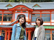 武雄のシンボル国宝武雄温泉新館や楼門までは徒歩2分。