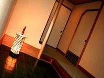 純和風造りの上質さが随所にみえる客室(一例)