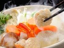 新鮮なお野菜と魚介が詰まった木村屋特製の天狗鍋(一例)