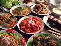 夕食一例です。中華料理のコースです♪
