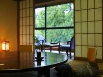 あふれる緑の眺望【みどりの棟】客室の一例