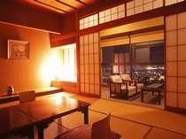 やましろ温泉の夜景を満喫♪あふれる緑の眺望【みどりの棟】客室の一例