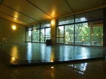 新鮮な湯が楽しめる 大浴場「菖蒲湯」疲労回復効果も抜群と言われております♪
