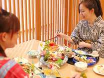 ★「ダイニング蒼翠」お食事の一例。小粋な音楽と共に旬の味覚をお楽しみ下さい。
