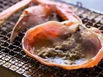 味噌がグツッ、身がプクッで食べ頃!炭火でいただく絶品【焼き蟹】イメージ